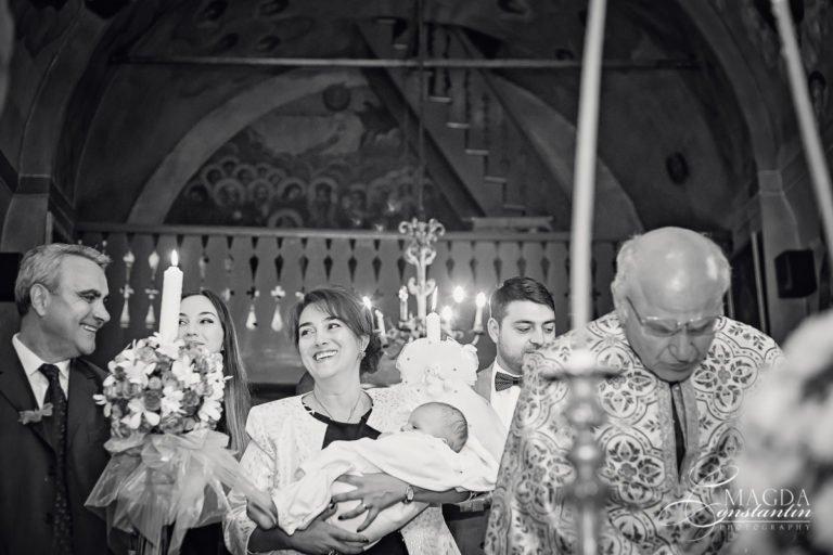 Sedinta foto botez in Bucuresti, biserica si restaurant