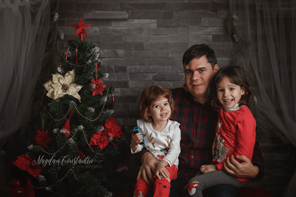 sedinta foto de craciun in bucuresti, portret de familie in studio