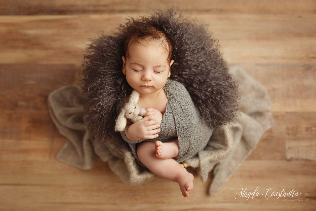 Sedinta foto de nou nascut in studio, fotograf Magda Constantin